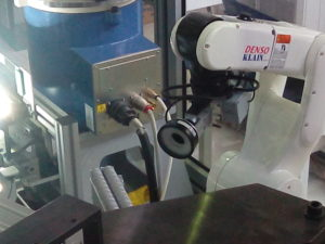 Robot Denso autoguida